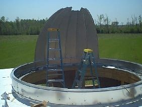 Construction of the telescope dome.